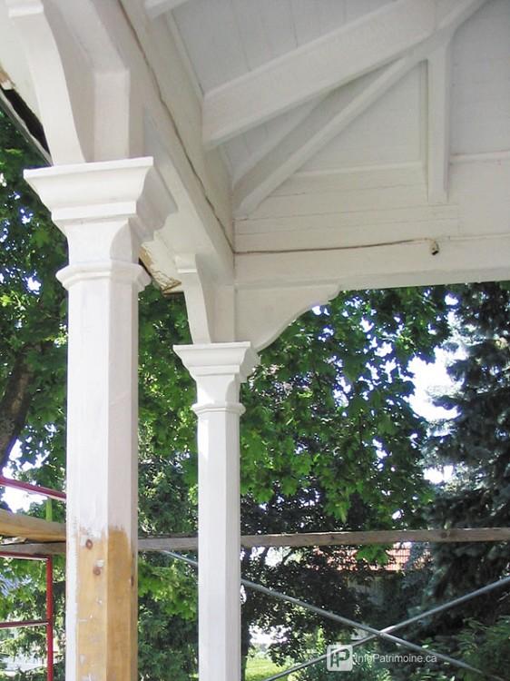 Guide : La toiture de la galerie (692 Saint-Alexandre)