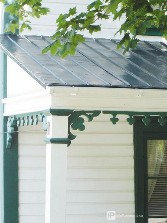 Guide : La toiture de la galerie (Cacouna- route 132)